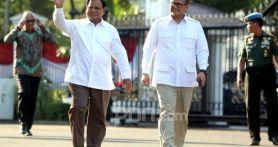 Iwan Fals Komentari Busana Prabowo Subianto