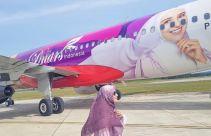 Wow! Wajah Shireen Sungkar Terpampang di Bodi Pesawat - JPNN.com