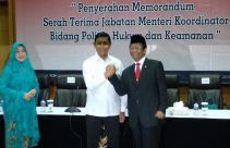 Mahfud MD Tak Menyangka Wiranto Mau Repot: Saya Sungguh Terharu - JPNN.com