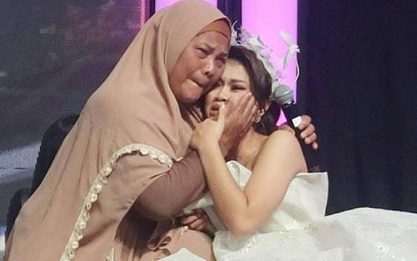 Jadi Jawara KDI 2019, Suci Mewek Saat Perpisahan - JPNN.com