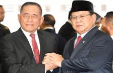 Prabowo kepada Ryamizard: Old Soldiers Never Die And They Never Fade Away - JPNN.com