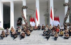 Di Balik Pengumuman Kabinet Indonesia Maju, Dari Duduk di Tangga Hingga Kutukan Periode Kedua - JPNN.com