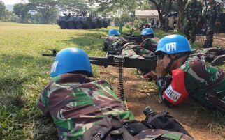 Bersenjata Lengkap, Belasan Personel Satgas TNI Tampak Tiarap, Posisi Siap Menembak