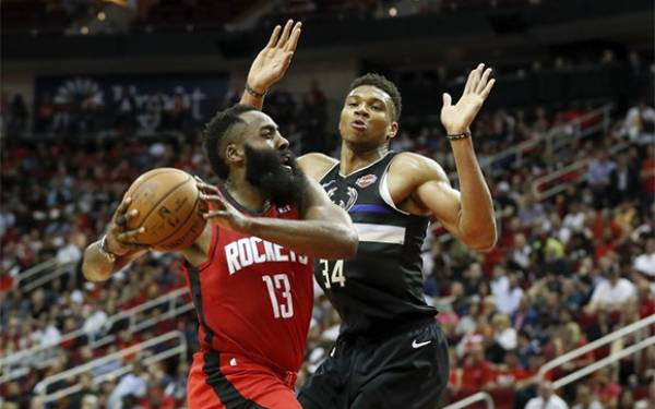 NBA: Milwaukee Bucks Berjaya di Markas Houston Rockets - JPNN.com