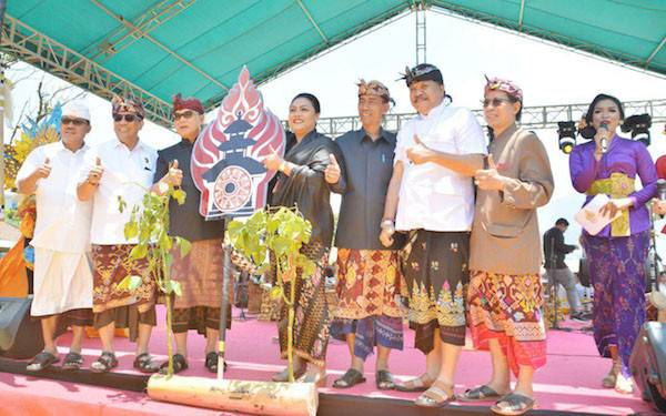 Festival Ulun Danu Beratan Efektif Promosikan Pariwisata di Tabanan - JPNN.com