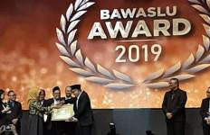Gakkumdu Bawaslu Kota Jakarta Utara Raih Bawaslu Award 2019 - JPNN.com