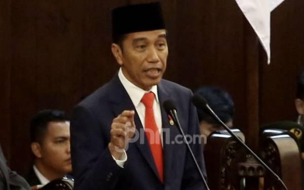 Bicara soal Jalan Tol Tiongkok, Jokowi: Jangan Ada yang Tepuk Tangan - JPNN.com