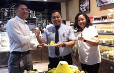 Mengusung Konsep Grab to Go, The Harvest Express Kini Hadir di Stasiun Jakarta Kota - JPNN.com
