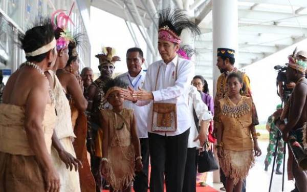Tokoh Suku Amungme Minta Presiden Jokowi Selesaikan Inti Masalah Papua - JPNN.com