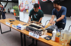 Polisi Ungkap Kasus Penjualan Cairan Rokok Elektronik Mengandung Narkoba - JPNN.com