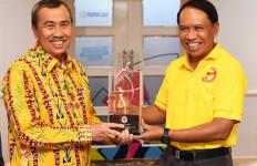 Kepada Menpora, Gubernur Riau Syamsuar Usulkan Stadion Utama Riau Jadi Venue Piala Dunia U-20 - JPNN.com
