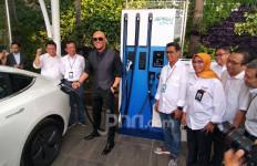 Curhatan Deddy Corbuzier Pakai Mobil Listrik Sehari-hari - JPNN.com