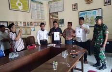 Kakak Adik 'Perang' Berebut Kursi Kepala Desa - JPNN.com