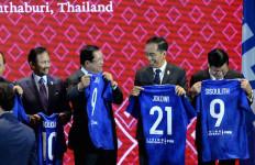 Jersey untuk Jokowi Berbeda Dari Pemimpin ASEAN Lainnya - JPNN.com