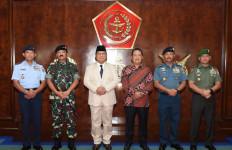 Ini Tujuan Menhan Prabowo Kunjungi PT Pindad - JPNN.com