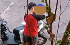Viral Video Sepasang Remaja Berbuat Mesum di Kawasan Stadion - JPNN.com
