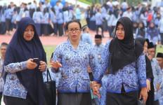 5 Berita Terpopuler: Uang Perjalanan Dinas Dipangkas, Diimbau tak Bersalaman di Masjid - JPNN.com
