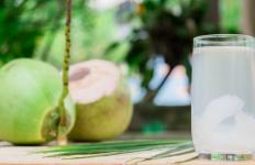 Manfaat Air Kelapa Untuk Kesehatan Jantung - JPNN.com