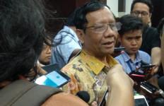 Mahfud MD Memilih Patuh kepada Jokowi - JPNN.com