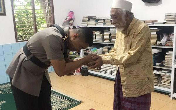 Tak Ingin Kecolongan Isu Radikalisme, Kapolres Pandeglang Sowan ke Ulama Banten - JPNN.com