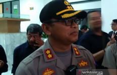 Mobil Pikap Pengangkut Kayu Ilegal Kabur dari Kejaran Petugas - JPNN.com