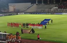 Iwan Bule Tonton Timnas Indonesia U-19 Vs Timor Leste, Penonton Teriakkan Nama Luis Milla - JPNN.com