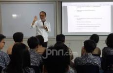 Siswa Global Sevilla School Antusias Dengar Paparan Yunarto Wijaya tentang Passion - JPNN.com
