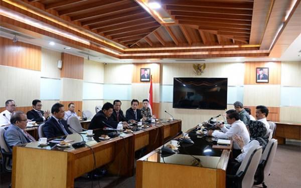 Terima Kunjungan KDT, Wamen Alue Dohong Bahas Rencana Green Toba - JPNN.com