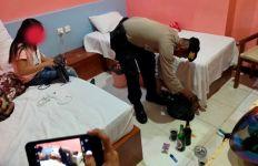 Bocah Laki-laki Temani Kakak Perempuannya Layani Pria di Kamar Hotel - JPNN.com