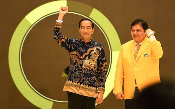Dianggap Dukung Airlangga jadi Ketum Golkar, Ini Reaksi Jokowi - JPNN.com