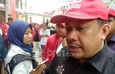 Fahri Mendoakan Adian Napitupulu, Fadjroel Menyuruh Dokter Terawan - JPNN.com