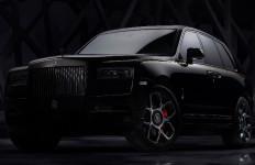 Menikmati Sisi Paling Gelap SUV Ultramewah Rolls Royce - JPNN.com