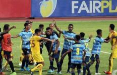 Diwarnai Insiden Perkelahian dan Fan Masuk Lapangan, Sriwijaya FC Taklukkan Persewar - JPNN.com