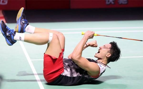 Juara di Fuzhou China Open 2019, Momota Sebut Kekalahan di Jakarta jadi Motivasi - JPNN.com