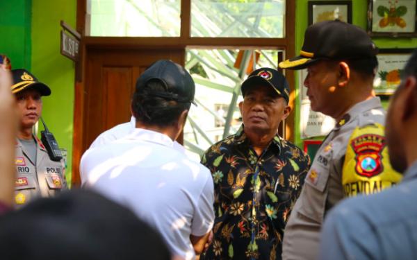 Kunjungi SDN Gentong, Menko PMK Pertanyakan Rehabilitasi Sekolah 10 Tahun Lalu - JPNN.com