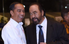 Presiden Jokowi Akhirnya Peluk Erat Surya Paloh di HUT NasDem - JPNN.com