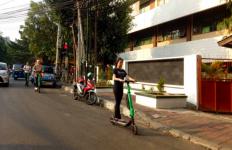 Anak Buah Anies Larang Skuter GrabWheels Melintas di Jalan Jakarta - JPNN.com
