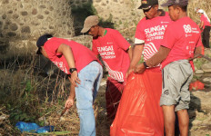 2.500 Relawan Ikut Aksi Bersih Anak Sungai Berantas - JPNN.com