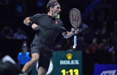 ATP Finals 2019: Roger Federer Bikin Novak Djokovic Gigit Jari - JPNN.com