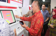 Cetak e-KTP Bakal Semudah Mengambil Duit di ATM - JPNN.com