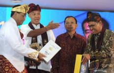 Diwarnai Cuitan Andi Arief, Ganjar Pranowo jadi Ketum Kagama Hingga 2024 - JPNN.com