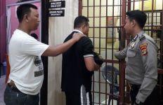 Istri tak Beri Jatah Ranjang, Lelaki Ini Malah Garap Anak Tiri - JPNN.com