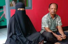 Pengakuan Istri Terduga Teroris yang Sempat Diamankan Densus 88 - JPNN.com