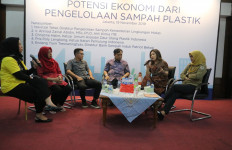 Botol PET Bisa Didaur Ulang Hingga 50 Kali - JPNN.com