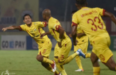 Pelatih Bhayangkara FC: Laga Kontra Persebaya Seperti Melawan 12 Pemain - JPNN.com