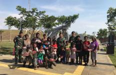 Satgas Yonif Mekanis Raider 411 Kostrad Berbagi Kebahagiaan di Merauke - JPNN.com