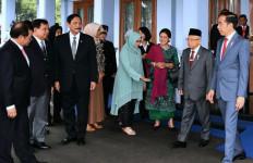 Dilepas Kiai Ma'ruf hingga Prabowo, Jokowi Bertolak ke Korea Selatan - JPNN.com