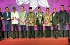 Ketua DPD RI Sentil Bupati Jember Saat Acara Pengukuhan Kota Cerutu - JPNN.com