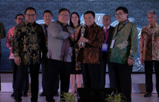 Pupuk Indonesia Grup Kembali Raih The Asia Sustainability Reporting Rating 2019 - JPNN.com