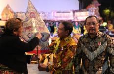 Menpora Berharap Pemuda Milenial Tidak Melupakan Tradisi Wayang Kulit - JPNN.com
